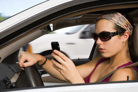 11 Tips To Avoid Being A Distracted Driver This Summer in Ontario