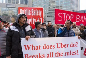 Taxi drivers protest in Toronto over Uber